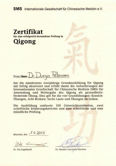 Qigong-Lehrerin Dr. Dunja Petersen
